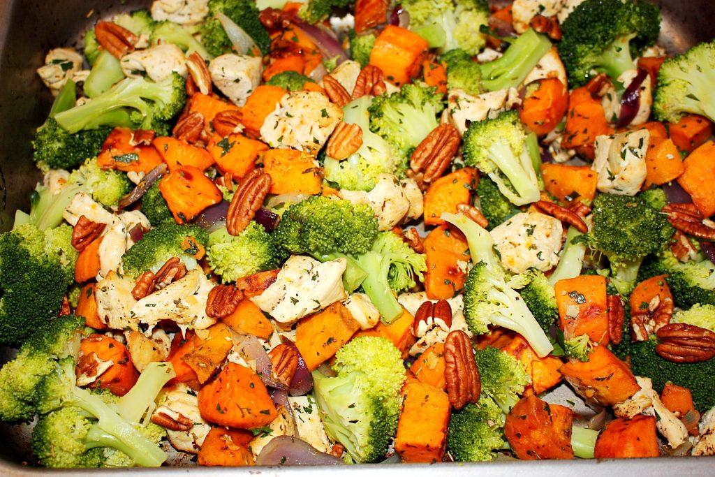 Zoete aardappel met kip en broccoli
