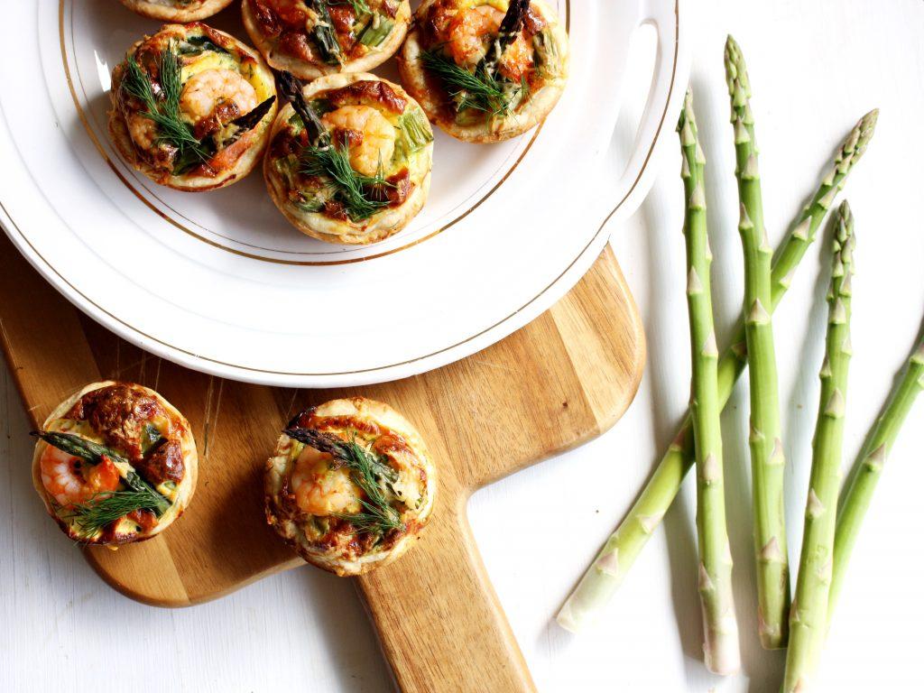 Mini quiches met garnalen en asperges