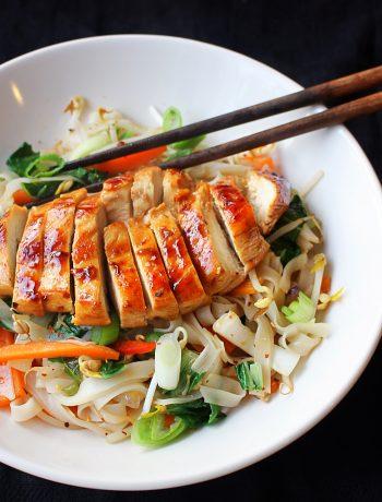 Noodles met kip en groenten