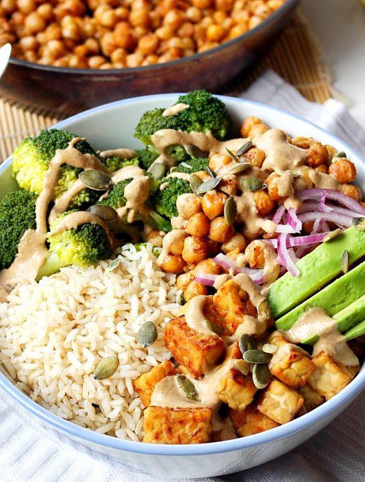 Buddah Bowl met broccoli en tempeh
